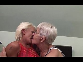 Mammy Hairy Lesbian Pussy Mature Funny Granny