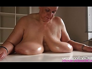 BBW Fatty Granny Homemade Mammy Mature Amateur Boobs