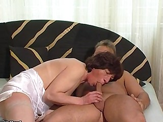 Big Cock Fuck Granny Hairy Hardcore Mature Old and Young Pussy
