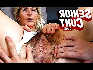 Cougar Close Up Hairy Vagina Mammy Mature MILF Oil
