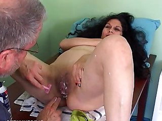 Cougar Housewife Mammy Mature MILF Pretty Pussy Shaved