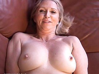 Mammy Mature MILF Playing Pussy Blonde Boobs Granny