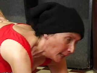 Pussy Old and Young Fuck Granny Hairy Hardcore Mature Pool