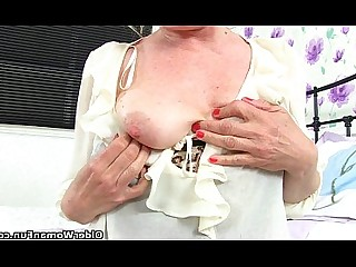 Mature MILF Stocking Striptease HD Cougar Vibrator