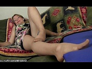 Masturbation Mature MILF Nylon Solo Stocking Striptease Panties