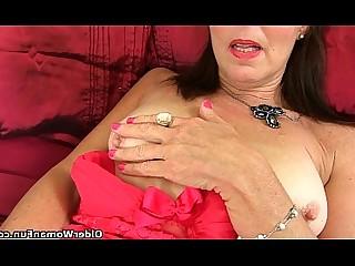 Solo Cougar Dildo Fuck Granny HD Masturbation Mature