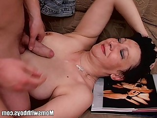 Mature Close Up Blowjob Couch Cougar MILF Cumshot Old and Young