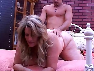 Housewife Wife Hot Busty Bus BBW Cumshot Cougar