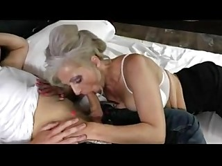Amateur Cougar Creampie Fuck Hairy Mature MILF Teen
