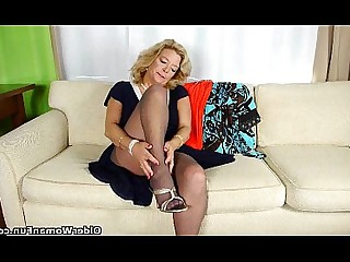Cougar Granny HD Mammy Masturbation Mature Nylon Panties