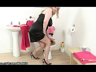 Mature HD Cougar Bathroom Granny Toilet Stocking Oil