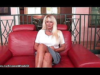 Big Tits Boobs Cougar Cumshot Granny Hot Mammy Mature