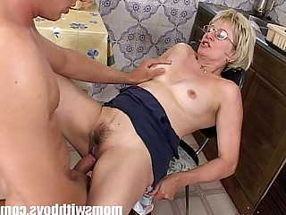 Facials Pussy Old and Young Sucking Cougar Hot Mammy Mature