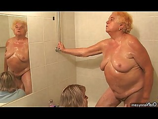 Amateur BBW Fatty Granny Hot Mature Shower