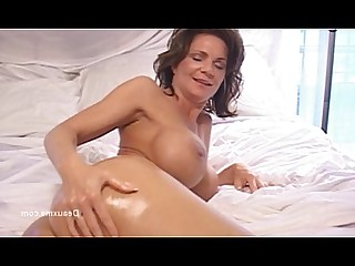 Ass Beauty Fingering Mature MILF Oil Shower