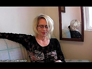 Hairy Cougar Fisting Granny Mammy Stocking Mature Kitty