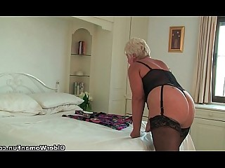 Cougar Granny HD Kitty Mammy Mature MILF Stocking