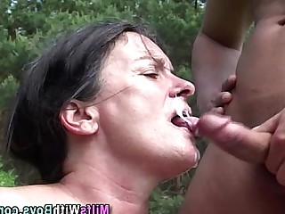 Cougar Facials Hardcore Mature MILF Outdoor