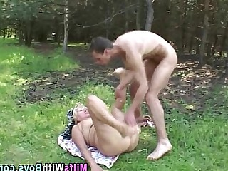 Mature Hardcore Glasses Fatty Cougar Ass MILF Outdoor