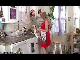 MILF Wife Slender Masturbation Mammy Kitchen Housewife HD