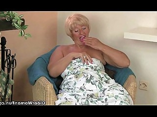 Cougar Granny HD Mammy Masturbation Mature MILF