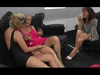 Lesbian Mammy Mature MILF Pussy Really Teen