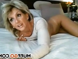 Homemade Mammy MILF Blonde Babe Pussy Solo Stunning