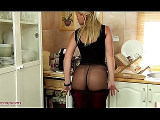 Hot Mammy Juicy MILF