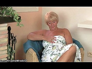 Cougar Granny Mammy Masturbation Mature Orgasm