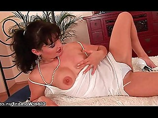 Cougar Facials Hairy Mammy Mature MILF