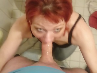 Amateur Bathroom Blowjob Deepthroat Fuck Horny Little Mammy