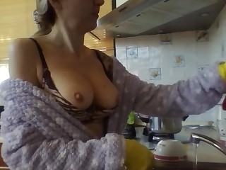 Amateur Big Tits Boobs Bus Housewife Latex Mammy MILF