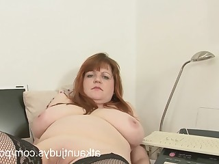 Amateur Big Tits Close Up Cougar Fatty Masturbation Mature MILF