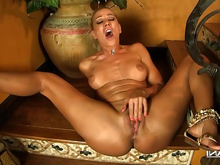 Babe Blonde Fingering Masturbation MILF Pornstar Solo