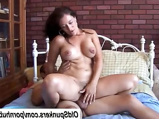 Beauty Brunette Bus Busty Cougar Cumshot Facials Fuck