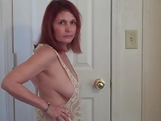 18-21 Amateur Hot Juicy Mature MILF Posing Prostitut