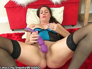 Mammy Masturbation Mature MILF Princess Stocking Toys