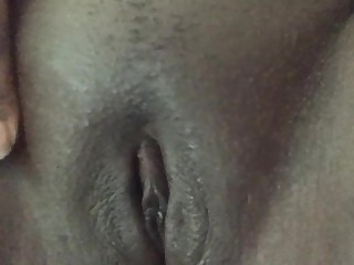 Amateur Boss Ebony BBW Fingering Kitty Masturbation MILF