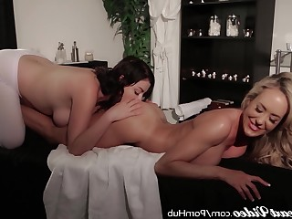 Ass Big Tits Boobs Cougar Kiss Lesbian Licking Mammy