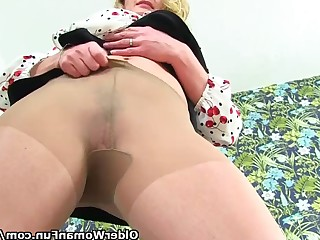 Mammy Mature MILF Nylon Panties Squirting