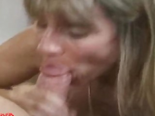 Blonde Fuck Gorgeous Hot Mammy MILF