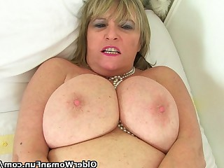 Amateur Big Tits Blonde Boobs Dildo Granny Masturbation Mature