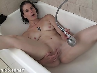 Amateur Brunette HD Small Tits Little Mammy Masturbation MILF
